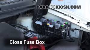 replace a fuse 2007 2010 ford edge 2008 ford edge se 3 5l v6 2007 Ford Edge Fuse Box 6 replace cover secure the cover and test component 2007 ford edge fuse box diagram