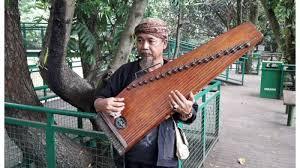 Salah satu alat musik tradisional daerah yang cukup terkenal ialah sasando. 12 Alat Musik Tradisional Jawa Barat Dan Penjelasannya Tokopedia Blog