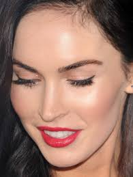 can you wear red lips with a red dress megan fox did winged eyeeye makeuplipstickbeautiful
