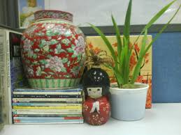plants for office cubicle. I Often Come Across Many People Whom Know Who Love To Have A Small Plant In Their Office Cubicle. Be It Bottle With An Ivy Popularly Known As \ Plants For Cubicle G