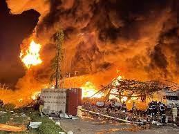 ประมวลภาพความเสียหายไฟไหม้รง.ผลิตเม็ดพลาสติกย่านบางพลี - โพสต์ทูเดย์  ข่าวภูมิภาค