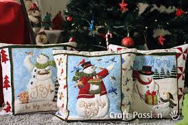 Snowman Pillow Cover - Free Quilting Pattern | Craft Passion & snowman quilt pillow pattern Adamdwight.com