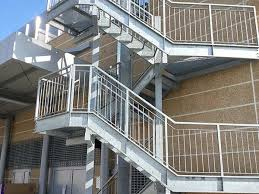 Progettazione Scale Antincendio : Scala industriale modena mantova realizzazione gradini in