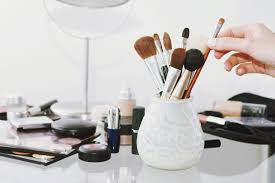 top 5 must have makeup brushes you need