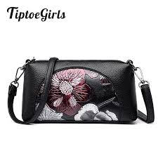 stitching painted printing middle aged mother pillow bag new fashion personality shoulder bag casual wild messenger satchels leather purses from singgirl