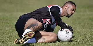 """Goleiro Bruno se diz """"muito motivado"""" em apresentação no time de Poços de  Caldas"""