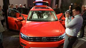 2018 volkswagen suv.  2018 show more 2018 volkswagen tiguan design workshop thumbs up   with volkswagen suv