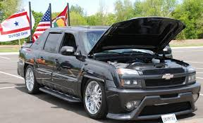2003 Chevrolet Avalanche - Information and photos - ZombieDrive
