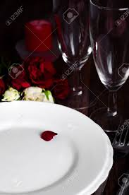 Candle Light Dinner Table Setting Romantic Valentine Candle Light Dinner Table Setting With Red