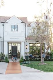 Brandon Architects And Patterson Custom Homes Photo David Tosti Bright White Painted Brick