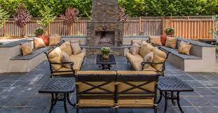 outdoor living furniture layout tips