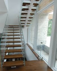 Floating Wood Staircase - Glass 3