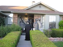 ... House Decor For Halloween Outdoor Using Standing Ghost In Black And  Spooky Black And White ...