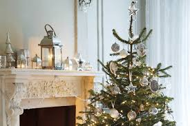 Related image of 40 beautiful gold christmas decoration ideas Gold And Silver  Christmas Decorations