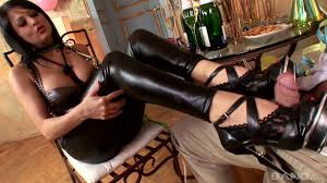 Footjob Wanton ladies with long legs and attractive feet give.