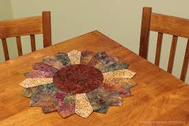 Nancy Zieman Shows How to Make an Easy Sunflower Table Topper ... & Use ... Adamdwight.com