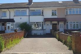 Thumbnail Semi Detached House To Rent In Stanhope Road, Slough