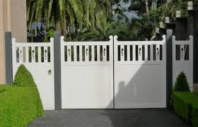 Custom Made Wooden and Timber Gates for Driveways Businesses and