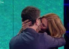 Filippa bacia Fabio, Ilary bacia Silvia, Ilary bacia Daniele, Ilary bacia Belen: noia profusa