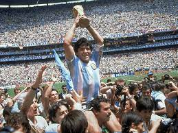 Die Fussball-Welt trauert um Diego Maradona   Fussball International