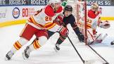 McDavid records natural hat trick, Oilers rout Flames 7-1