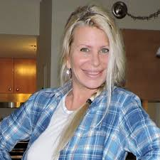 Linda Singer - YouTube