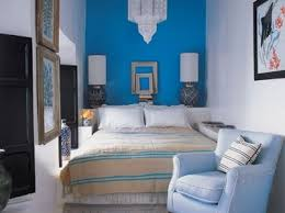 Queen size bed in small room Nepinetwork Tiny Ass Apartment The Bed And Nightstand Room 14 Bedrooms Queen For Small Ballastwaterus Queen Bed For Small Room Ballastwaterus