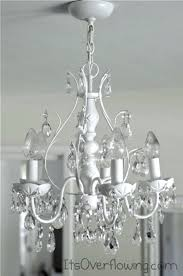chandelier makeover with spray paint