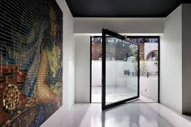 London-based studio Andy Martin Architects Pivot door