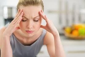 đau nửa đầu vùng trán