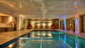 Party Houses To Rent Uk With Pool