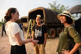all about angelina jolie s connection to com angelina jolie son maddox jolie pitt and book author loung ung on set of