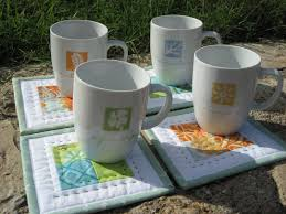 MINI QUILT TUTORIAL for mug rugs and coasters | Nero's post and ... & patchwork mug rugs Adamdwight.com