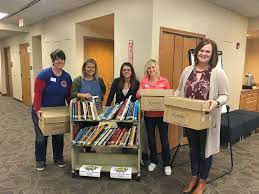"""Tasha Fritz on Twitter: """"Shout out to Howard-Winn CSD organizing a book  drive to send to Texas as schools and teachers rally back from hurricane  Harvey. Glad @KeystoneAEA could help out! @Kelly21476 @mindyreimer  #aea1lit… https://t.co/Qpojs6MMXC"""""""