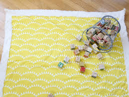 How to Sew a Simple Baby Blanket (Even if You're a Sewing Novice) & DIY: Sewing a Simple Baby Blanket Adamdwight.com
