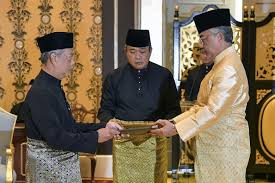 Explore tweets of muhyiddin yassin @muhyiddinyassin on twitter. Photos Our 8th Pm Tan Sri Muhyiddin Yassin Is Actually Quite A Hipster In Real Life Lifestyle Rojak Daily