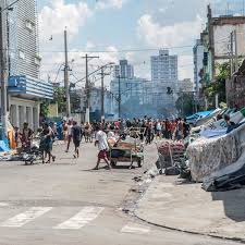 The city is located on a plateau of the brazilian highlands extending inland. Inside Crackland The Open Air Drug Market That Sao Paulo Just Can T Kick Cities The Guardian