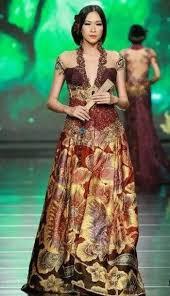 Kebaya adalah bukan sepotong baju, tapi untuk hidup saya. Profil Desainer Indonesia Anne Avantie