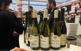 du 29 novembre au 2 décembre près d un millier de vignerons tiennent salon à la porte de versailles paris xve