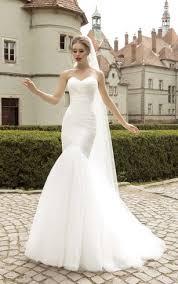 trumpet wedding dress with sweetheart sweetheart neckline mermaid