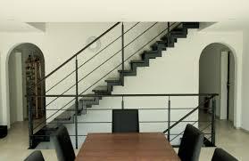 Zur stahltreppe k1 mit gitterroststufen haben wir ein ebenfalls anschlussprofile und übergangsgitter, z.b. Gerade Treppen Aus Stahl Und Holz ǀ Stadler Treppen