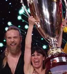 Lasse Matberg e Sara Di Vaira sono i vincitori di Ballando con le stelle  2019
