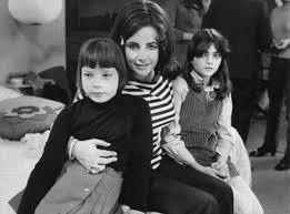 elizabeth taylor children. Plain Elizabeth Elizabeth Taylor With Children Maria Burton U0026 Liza Todd C 1968 To Children M