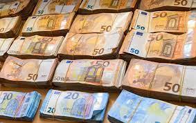 Der Dollar verliert: Was der Höhenflug des Euro bedeutet