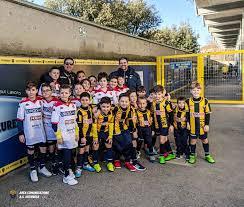 La Scuola Calcio Gialloblu in campo nel cerimoniale di ...