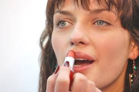 Remedies for Dryness Around the Corners of the Mouth | LIVESTRONG.COM