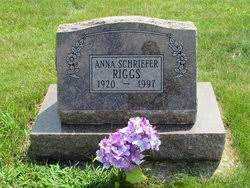 """Anna Augusta """"Annie"""" Schriefer Riggs (1920-1997) - Find A Grave Memorial"""