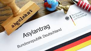 Afbeeldingsresultaat voor abschiebungen und asylanträge in deutschland