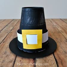 this cute pilgram hat kid craft it s a simple and fun thanksgiving craft that would be great combined with a favorite thanksgiving children s story