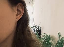 хотите быть в тренде попробуйте сделать макияж ушей теперь это